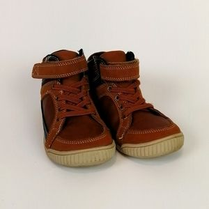 Children's Place High Top Leather Sneakers Size 10
